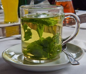 Photo of a glass of peppermint tea