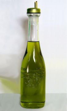 Photo of abottle of olive oil