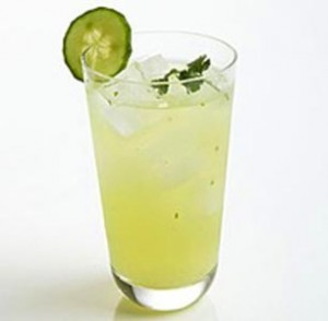 Photo of a glass of cucumber and mint lemnoade