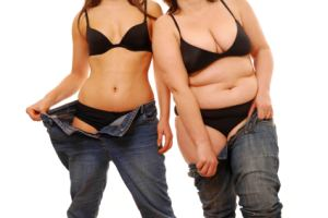 Photo of two women of diferent weights